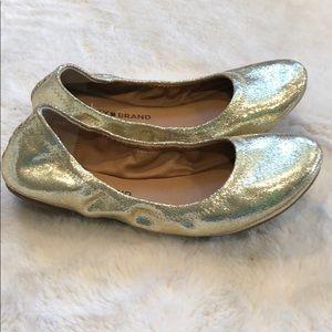 NWOT!  Lucky Brand Gold Flats 💛